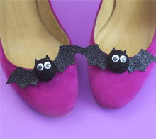 Black bat shoe clips